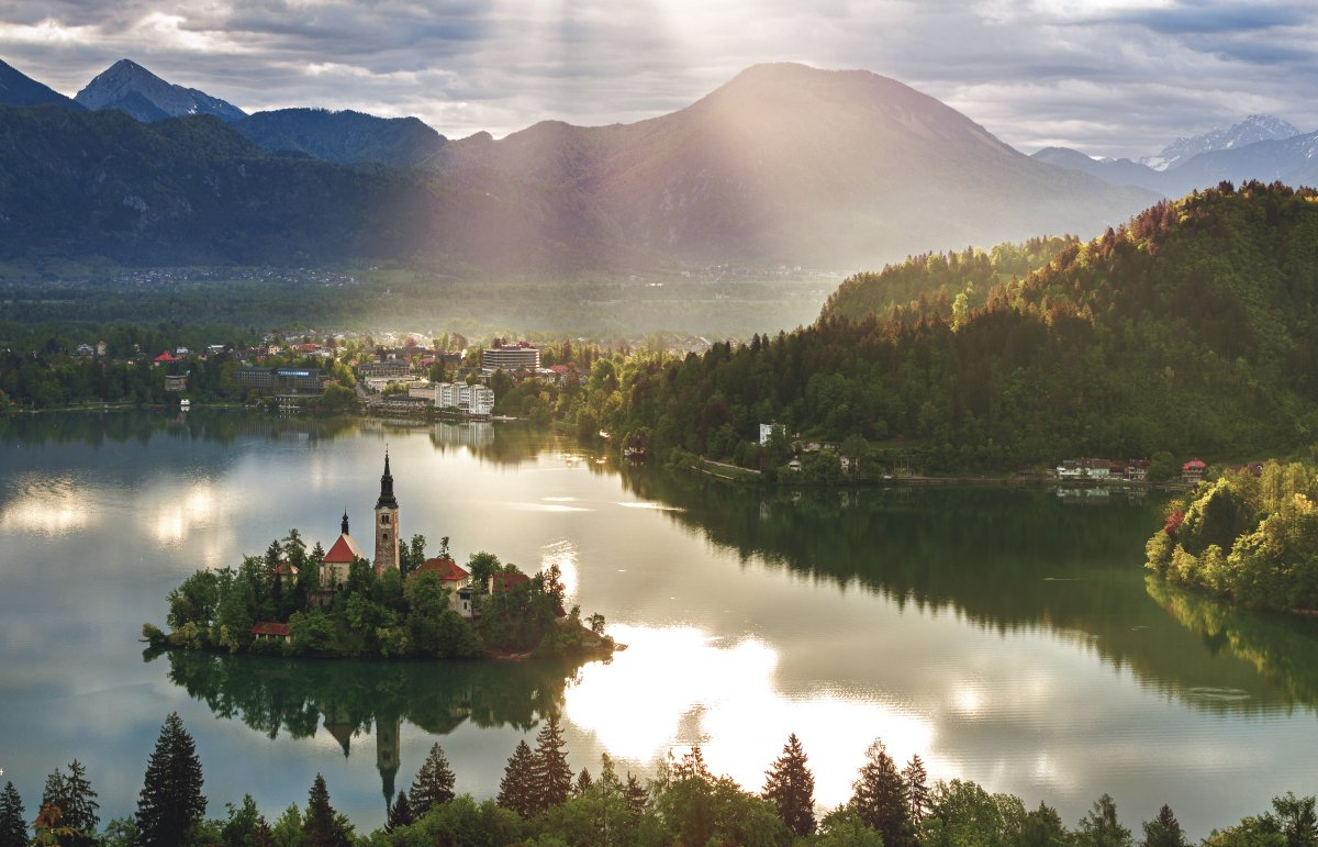 14-slovenia-not-only-is-slovenia-ranked-as-having-the-best-natural-environment-of-any-nation-on-earth-but-as-one-of-safest-places-to-live-too