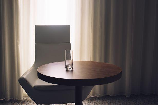 hotel-room-glass