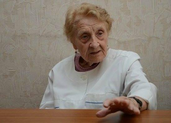 the-oldest-surgeon-of-russia-is-alla-ilyinichna-levushkina5