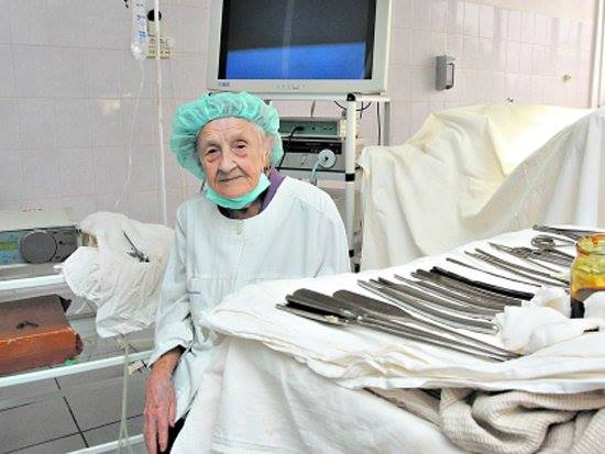 the-oldest-surgeon-of-russia-is-alla-ilyinichna-levushkina9