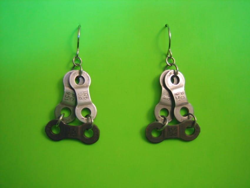 bike-earrings-850x637