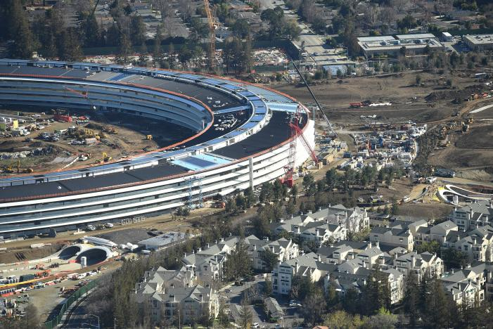 The Apple Campus 2 is seen under construction in Cupertino, California in this aerial photo taken January 13, 2017. REUTERS/Noah Berger