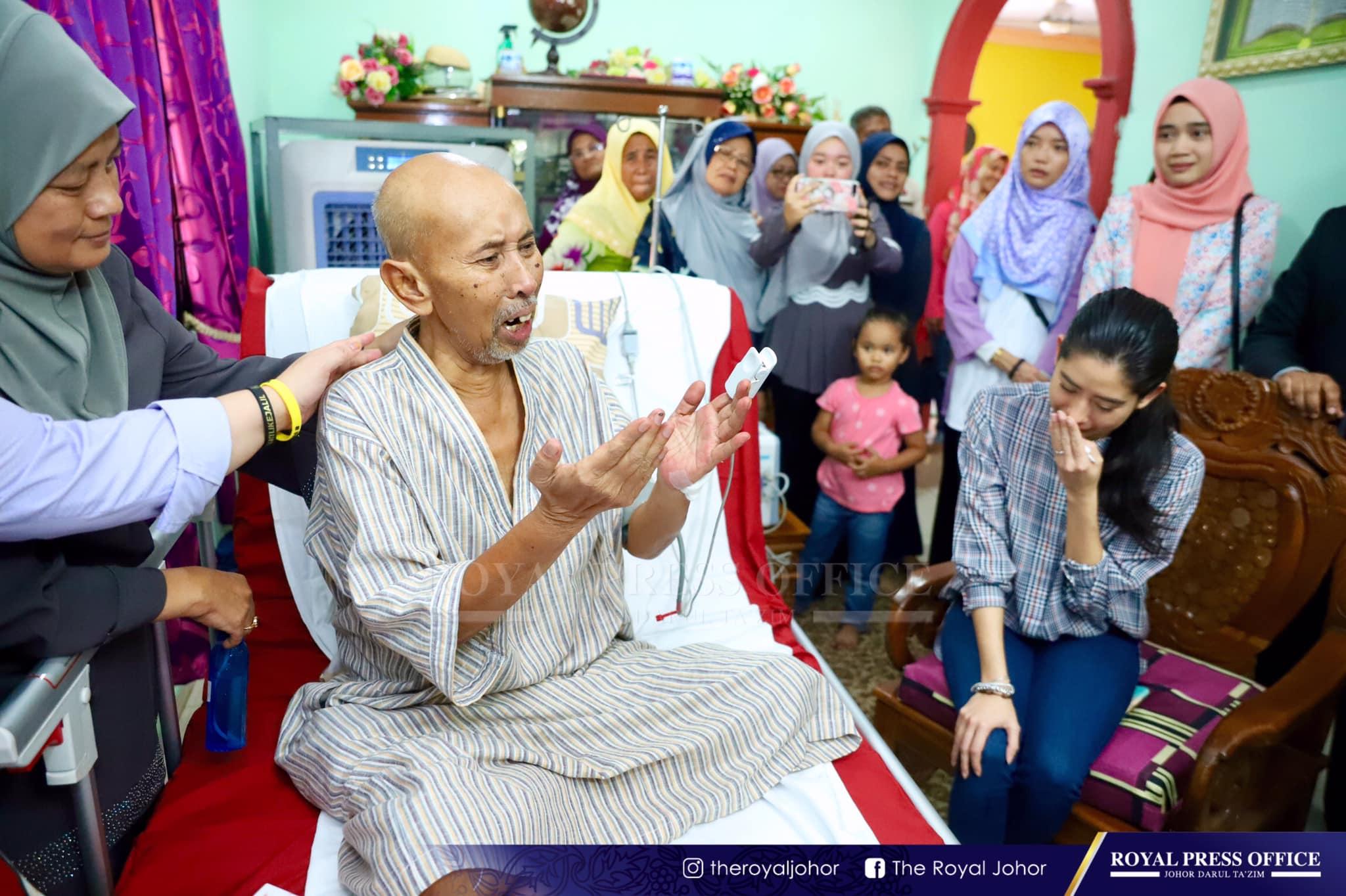 Video Tunku Aminah Mengalir Air Mata Ketika Ziarah Zaibo